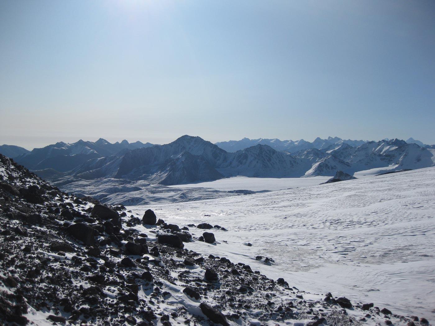 Штурмовой лагерь на высоте 3800м. Северный склон Эльбруса