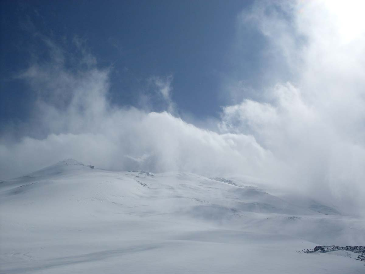 На Эльбрусе портится погода
