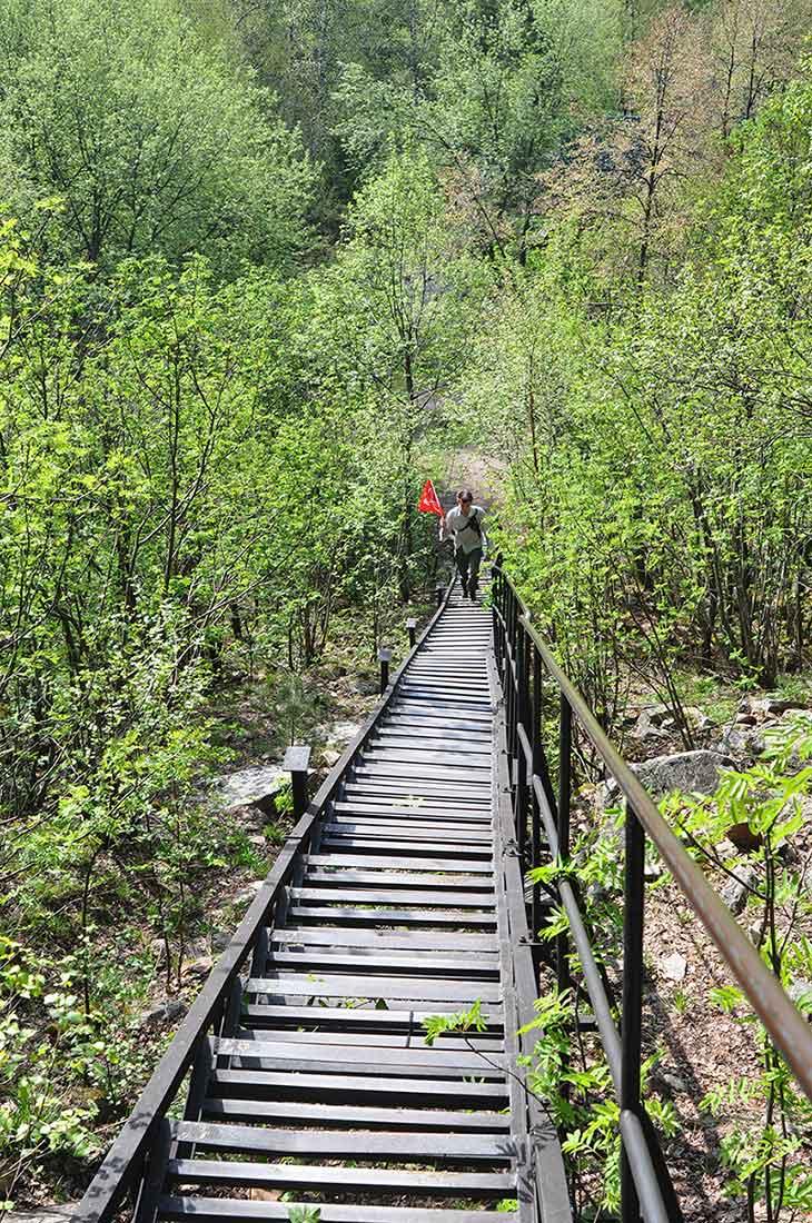 Лестница на скалы Перья
