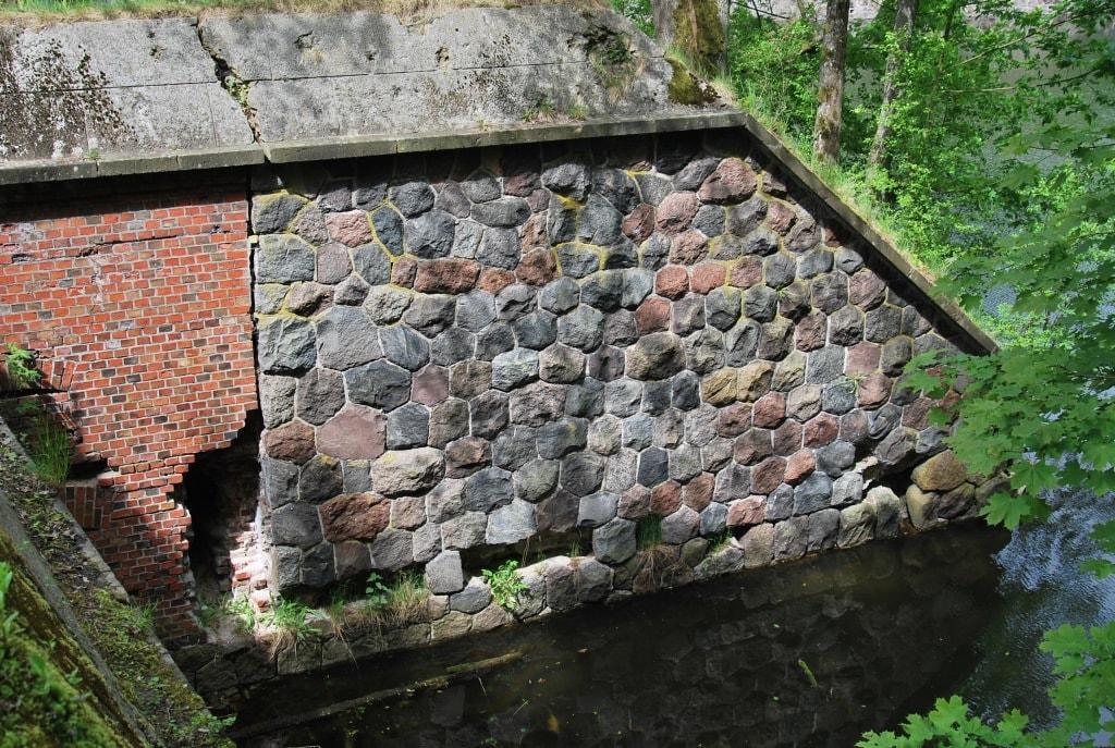 Стена напольного капонира