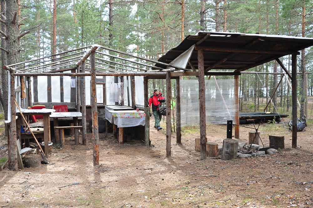 Лагерь на берегу озера Суходольское