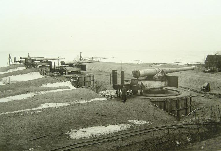 """Рифская батарея. Фото из книги Л.И. Амирханова и В.Ф. Ткаченко """"Форты Кронштадта"""""""