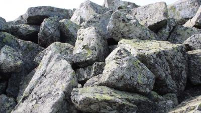Камни Большого Шелома