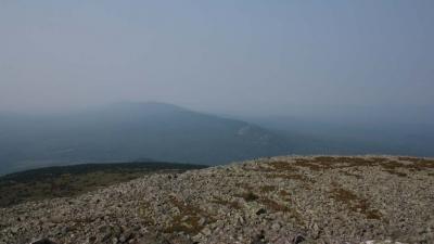 Вид на хребет Нары с вершины Большого Шелома