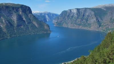 По этому фьорду проходила наша водная экскурсия