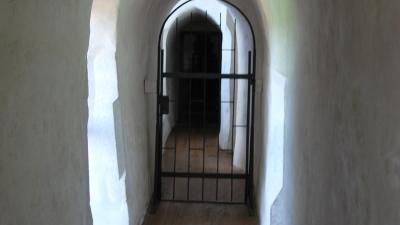 внутренние коридоры, прорубленные в скале