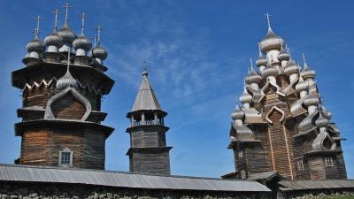 Церковь Покрова Богородицы колокольня и Преображенская церковь
