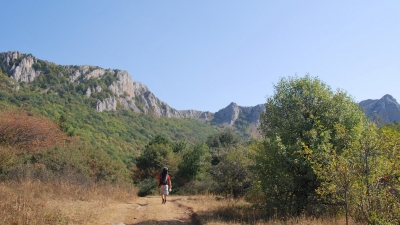 Дорога к ущелью Чигенитра