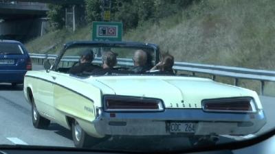 Кабриолеты на дорогах