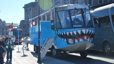 Акула с колёсами