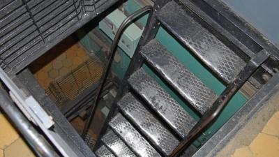 Трап на этажи зарядного и снарядного отделений