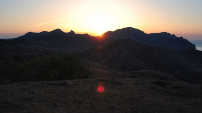 Рассвет на горе Эчки-Даг