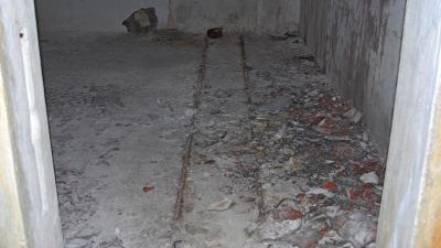 Погреб боезапаса с дорожкой для снарядной тележки