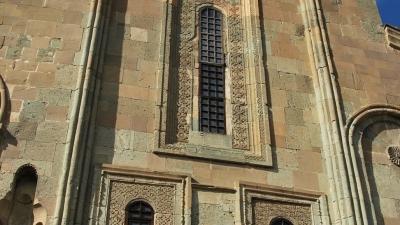 Восточный фасад храма