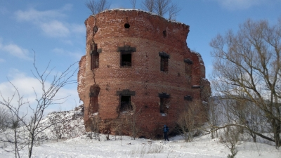 Оставшаяся после взрыва башня