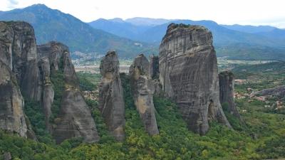 Необитаемые скалы