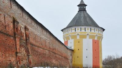Восточная стена с Вологодской башней