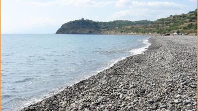 Пляж у мыса Чобан-Кале