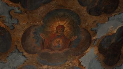 Фреска на своде Святых ворот