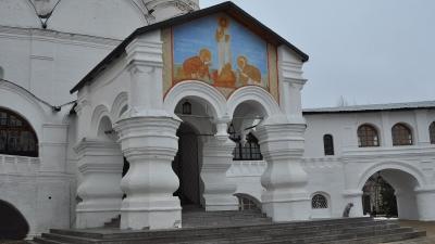Вход в Спасский собор