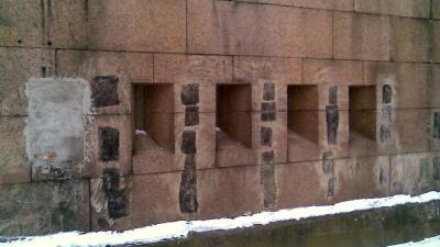 Бойницы со стороны горжевой части форта
