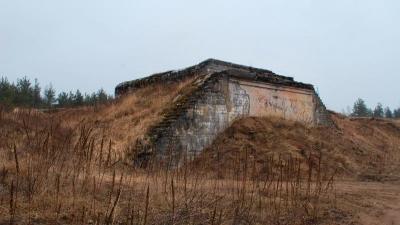 Засыпанные входы в артиллерийские позиции