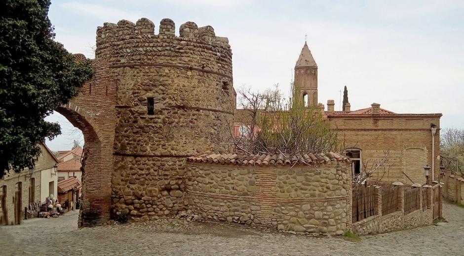 Главные крепостные ворота Сигнахи