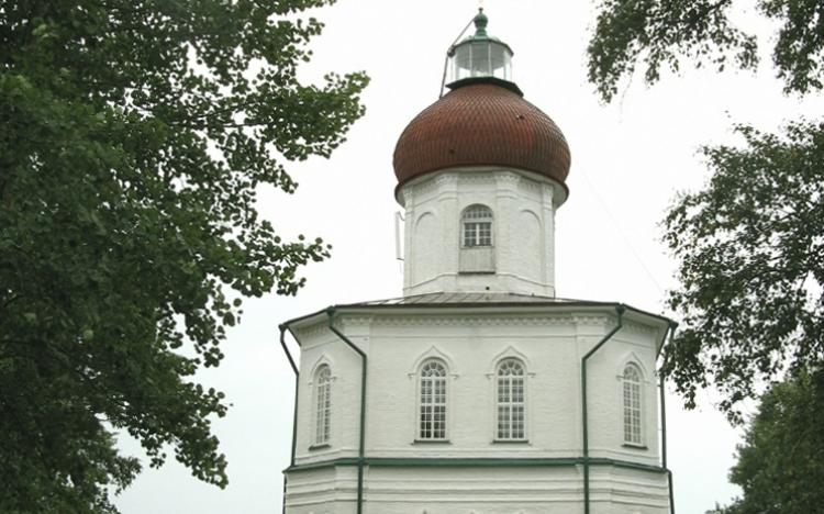 Церковь с маяком на Секирной горе