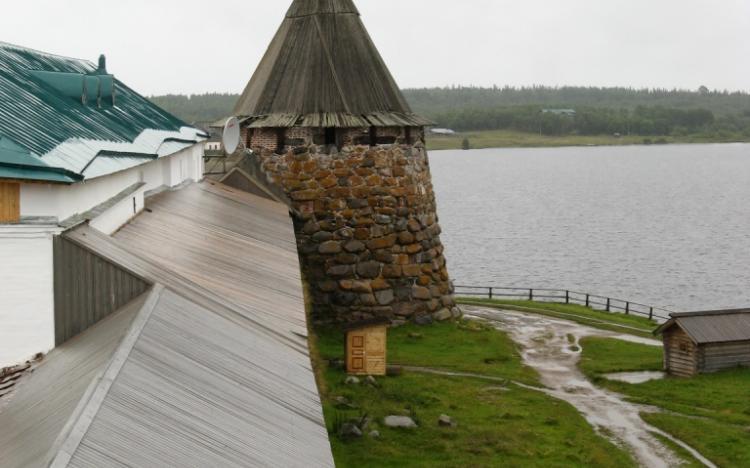 Вид на Архангельскую башню